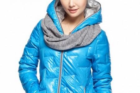 一种轻便的羽绒服,可以从秋天穿到冬天