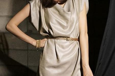 朴素的连衣裙