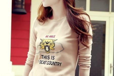 长袖t恤有助于初秋造型