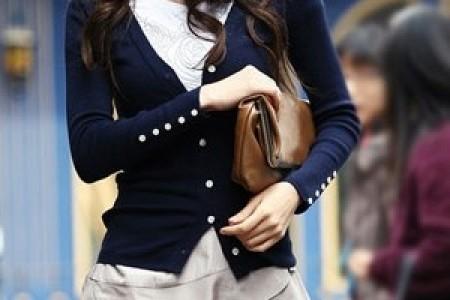适合上班族的针织衫和膝裙搭配