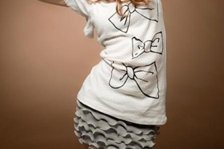 女性褶边裙