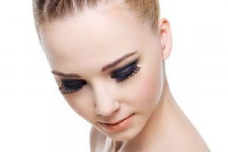 美丽的头发始于健康的头皮
