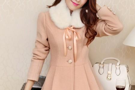 这件超级漂亮的外套看上去美极了