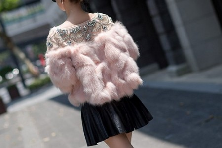 一件迷人而愚蠢的衣服,只有一件短外套才能给人以满足感